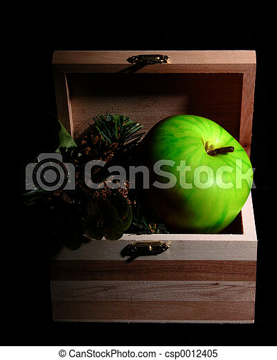 Green Apple in Box - csp0012405