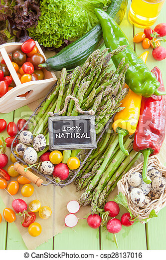 Green asparagus and other fresh vegetables - csp28137016