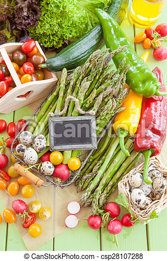 Green asparagus and other fresh vegetables - csp28107288