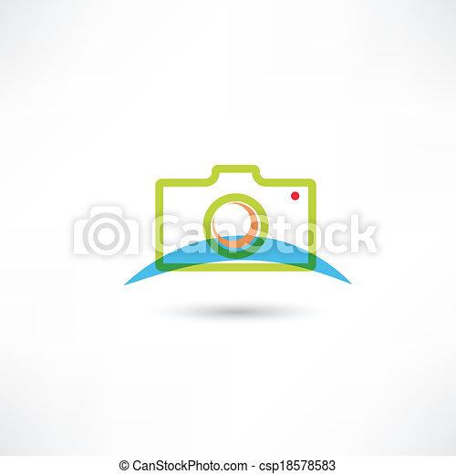 green camera icon - csp18578583