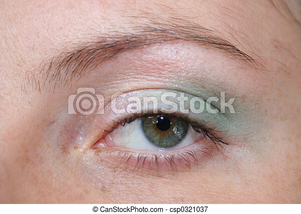 green eyed woman - csp0321037