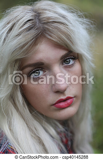 Green eyed woman - csp40145288