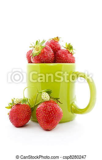 green pot with strawberries - csp8280247