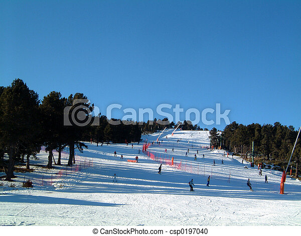 Green ski run - csp0197040