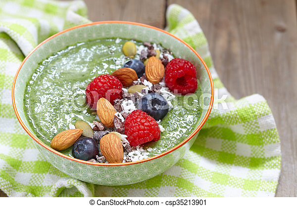 Green smoothie bowl - csp35213901