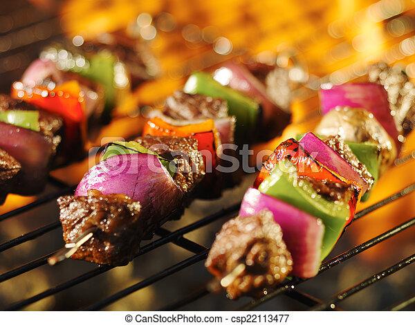 griglia, shishkabob, cottura, spiedi, fiammeggiante, bistecca - csp22113477