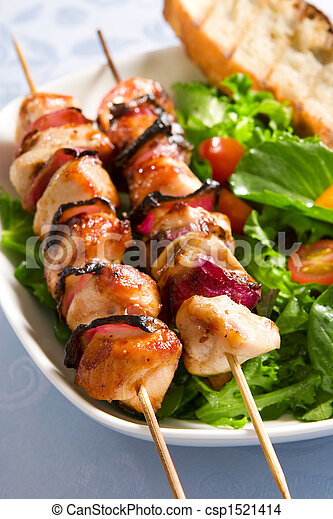 Grilled chicken and salad - csp1521414