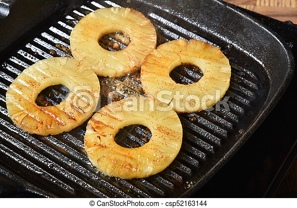 Grilled pineapple - csp52163144
