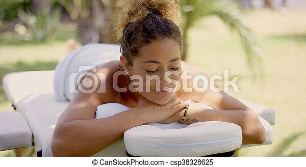 grina, bord, utanför, kvinna, massera - csp38328625
