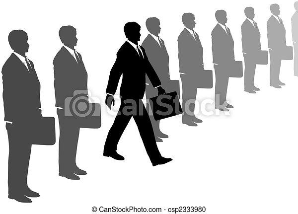 El hombre de la iniciativa comercial sale de la línea de trajes grises - csp2333980