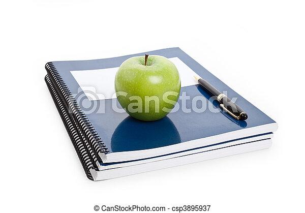 groene appel, schoolboek - csp3895937