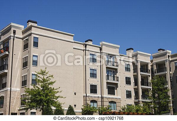 groot gebouw, rijhuis, beige, stucco - csp10921768
