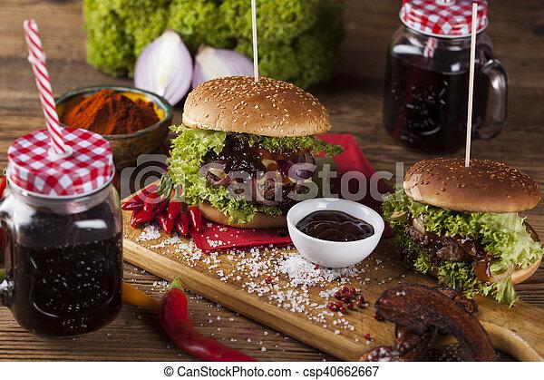 Gros plan fait hamburgers bois fond bureau maison fait