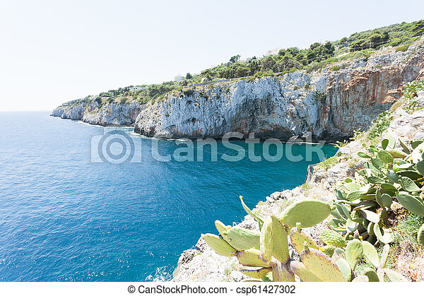 grotte, grotta, -, berühmt, kuesten, zinzulusa, apulia - csp61427302