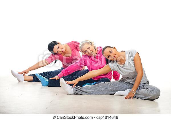 Group of women training - csp4814646