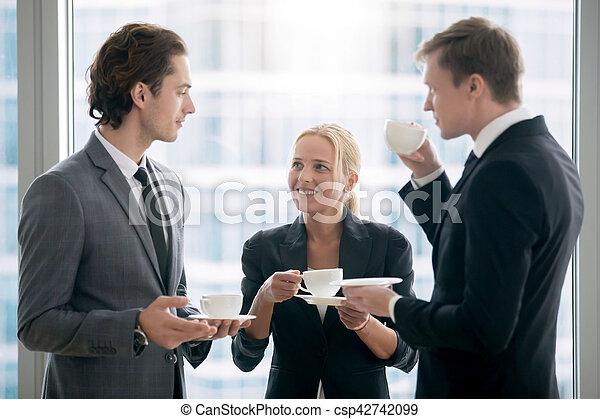 groupe, thé, après, hommes affaires, réunion, avoir - csp42742099