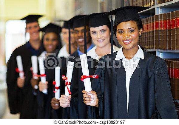 grupa, biblioteka, absolwenci - csp18823197