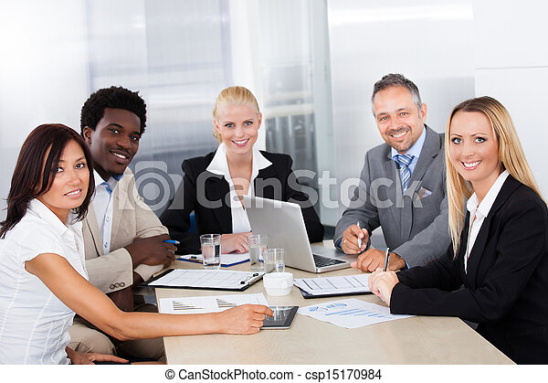 gruppe, besprechen, businesspeople, zusammen - csp15170984