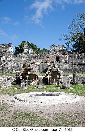 guatemala, tikal - csp17441088
