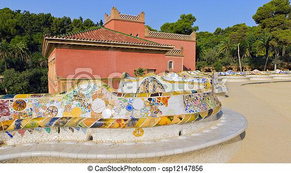 Guell Parco Serpente Mosaico Panca Guell Pietra Parco