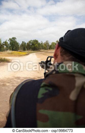 gunpoint, 武装させられた, 銃, 保有物, 人 - csp19984773