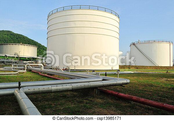 gyár, olajfinomító, reggel - csp13985171