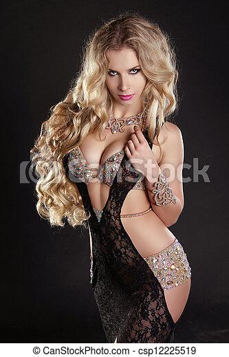gyönyörű, fárasztó, nő, felett, karcsú, hosszú, pazar, haj, sötét, ruha - csp12225519