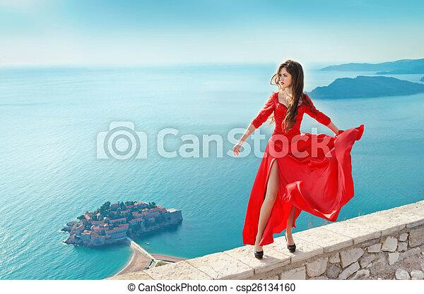 gyönyörű, fújás, flying., mód, nagyszerű, leány, ruha, piros, hadügyminisztérium - csp26134160