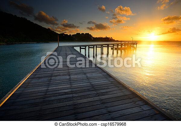 gyönyörű, rayong, fából való, thaiföld, móló, napkelte - csp16579968