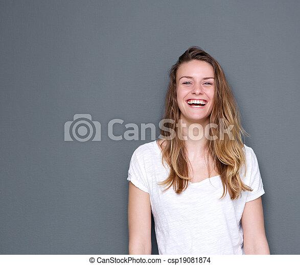 gyönyörű woman, fiatal, nevető - csp19081874