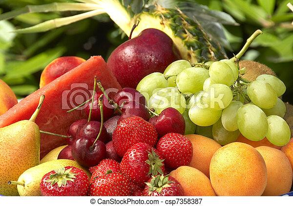 gyümölcs - csp7358387