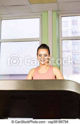 gym, rennende , meisje, tredmolen - csp38186794