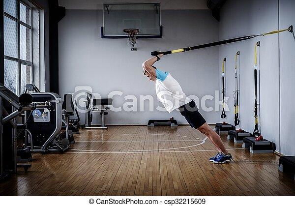 gym's, προπόνηση , ακονίζω ξυράφι , στούντιο , ελκυστικός , ανακοπή , κατά την διάρκεια , άντραs  - csp32215609