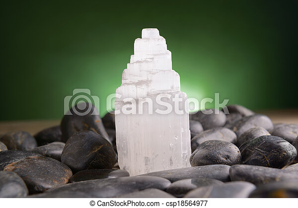 gypse, selenite, minéral - csp18564977