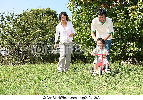 három, család, játék - csp24241363