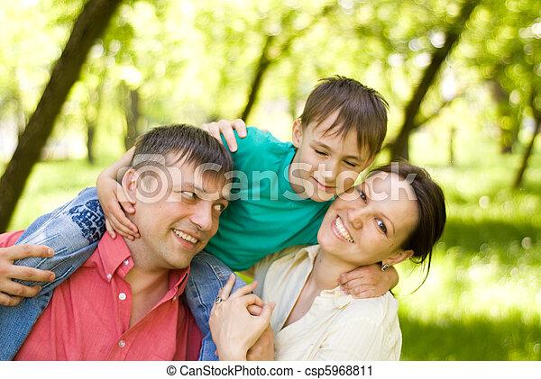 három, család - csp5968811