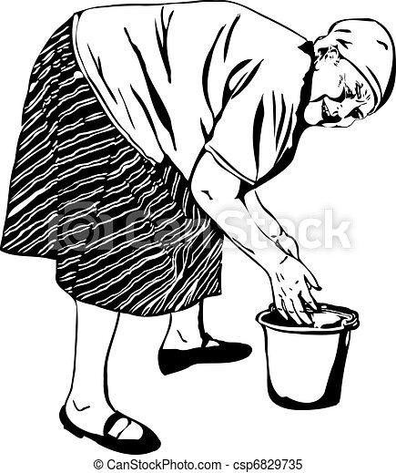 Oma wäscht sich die Hände in einem Eimer - csp6829735