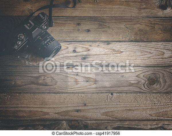 Vintage-Kamera aus Holz - csp41917956