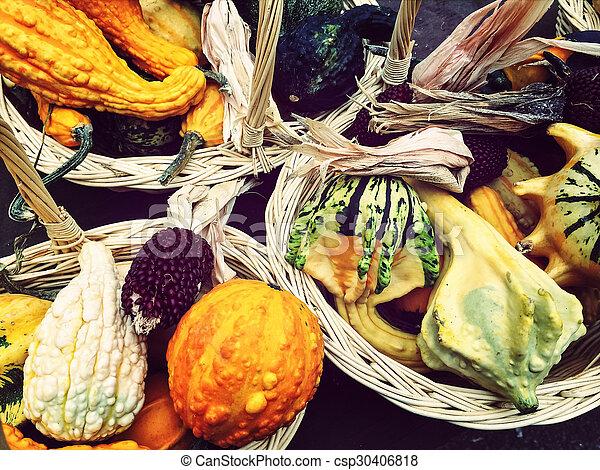 höst, grönsaken, korgar, färgrik - csp30406818