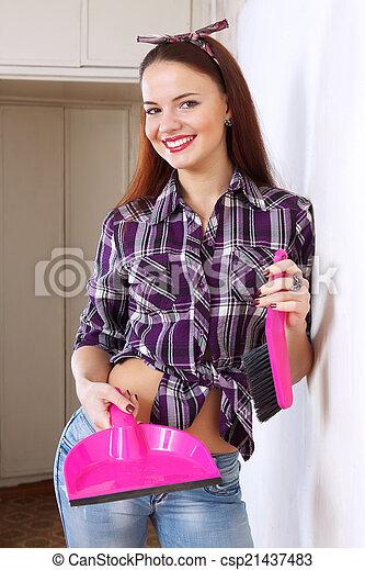 Hübsche Hausfrauen