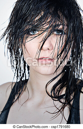 nackte girls mit nassen haaren