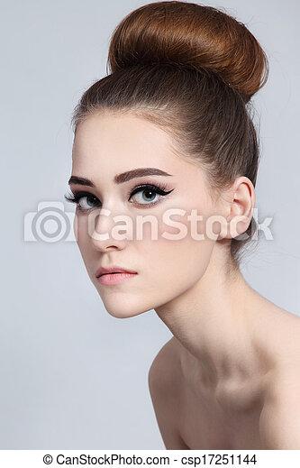 Hair bun - csp17251144