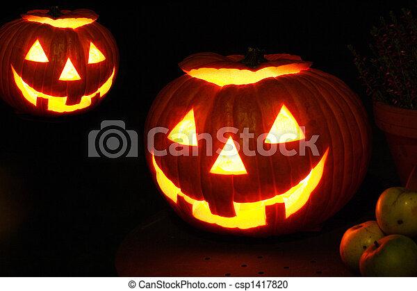 Halloween Jack O Lantern Glowing Pumpkin - csp1417820