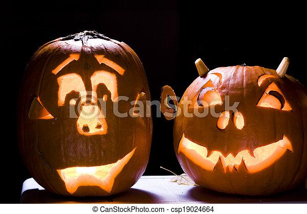 Halloween Jack O Lanterns - csp19024664
