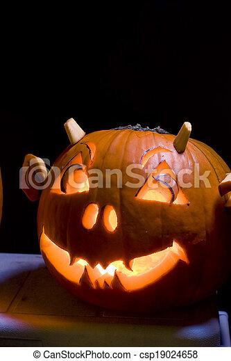 Halloween Jack O Lanterns - csp19024658