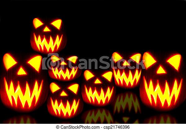 Halloween Jack-o-lanterns - csp21746396