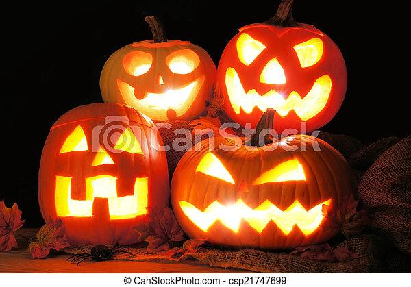 Halloween Jack o Lanterns - csp21747699
