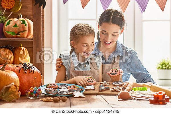 halloween., przygotowując, rodzina - csp51124745