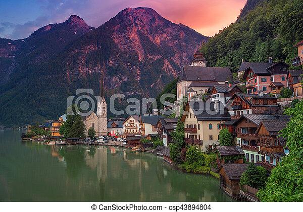 Hallstatt, austria. - csp43894804