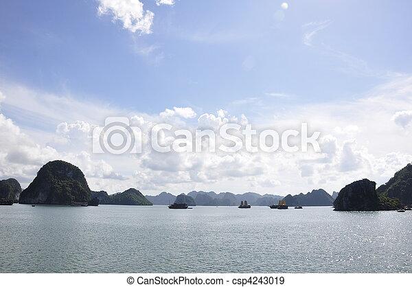 Halong Bay Sea View - csp4243019